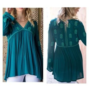 Grace & Lace Embroidered Medallion Tunic Top Sz M